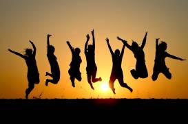 iStock_Felicità_persone_tramonto
